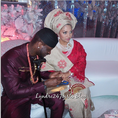 Peter Okoye & Lola Omotayo exchanging vow